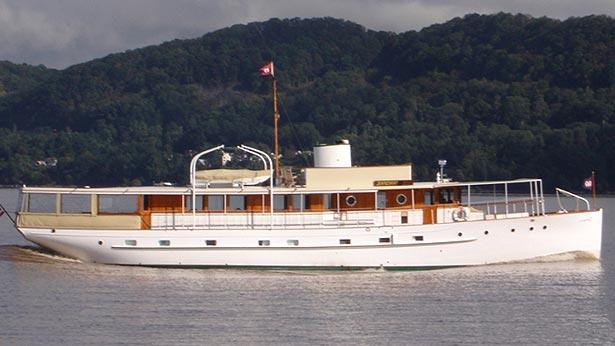 Bartram brakenhoff signs vintage motor yacht innisfail for Vintage motor yachts for sale
