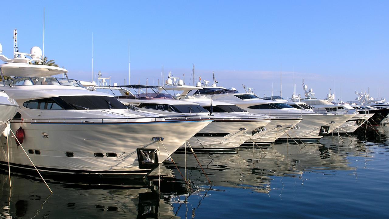 Yacht broker job description
