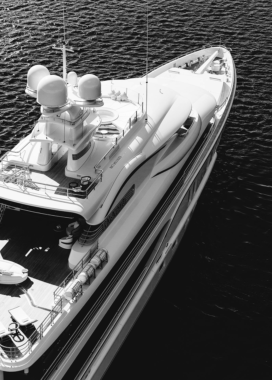 the-mast-of-the-amels-super-yacht-plvs-vltra