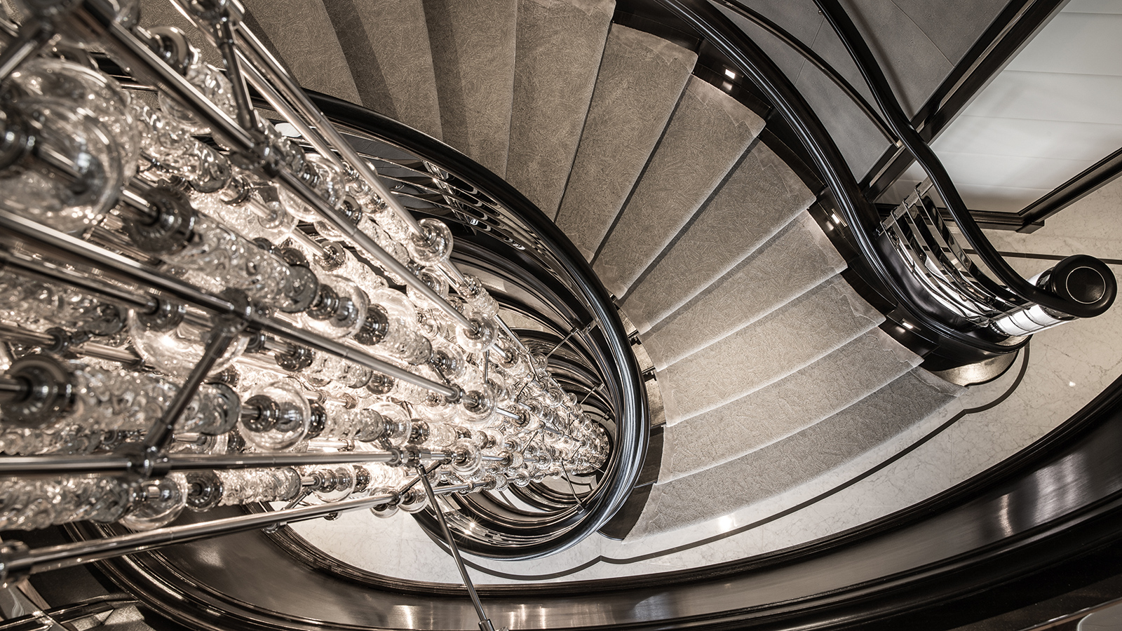 the-staircase-on-the-derektor-superyacht-aquila-after-her-pendennis-refit