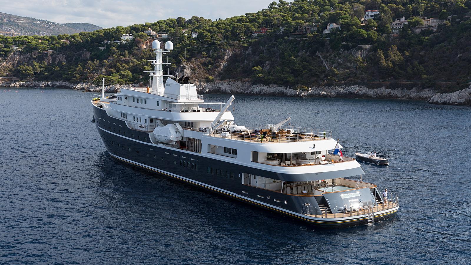 aft-view-of-ihc-explorer-yacht-legend