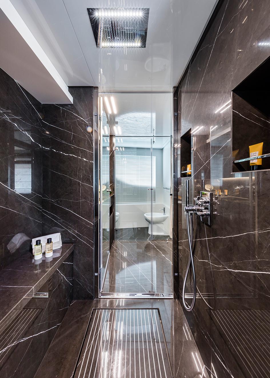 one-of-the-en-suites-on-the-custom-line-navetta-37-superyacht