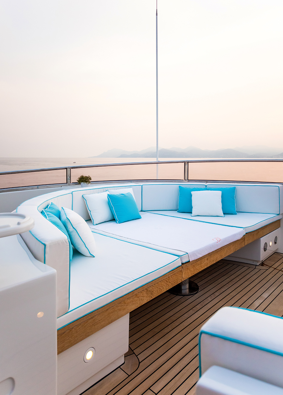 sundeck-detail-of-the-refitted-benetti-superyacht-blue-vision-credit-blue-i-productions
