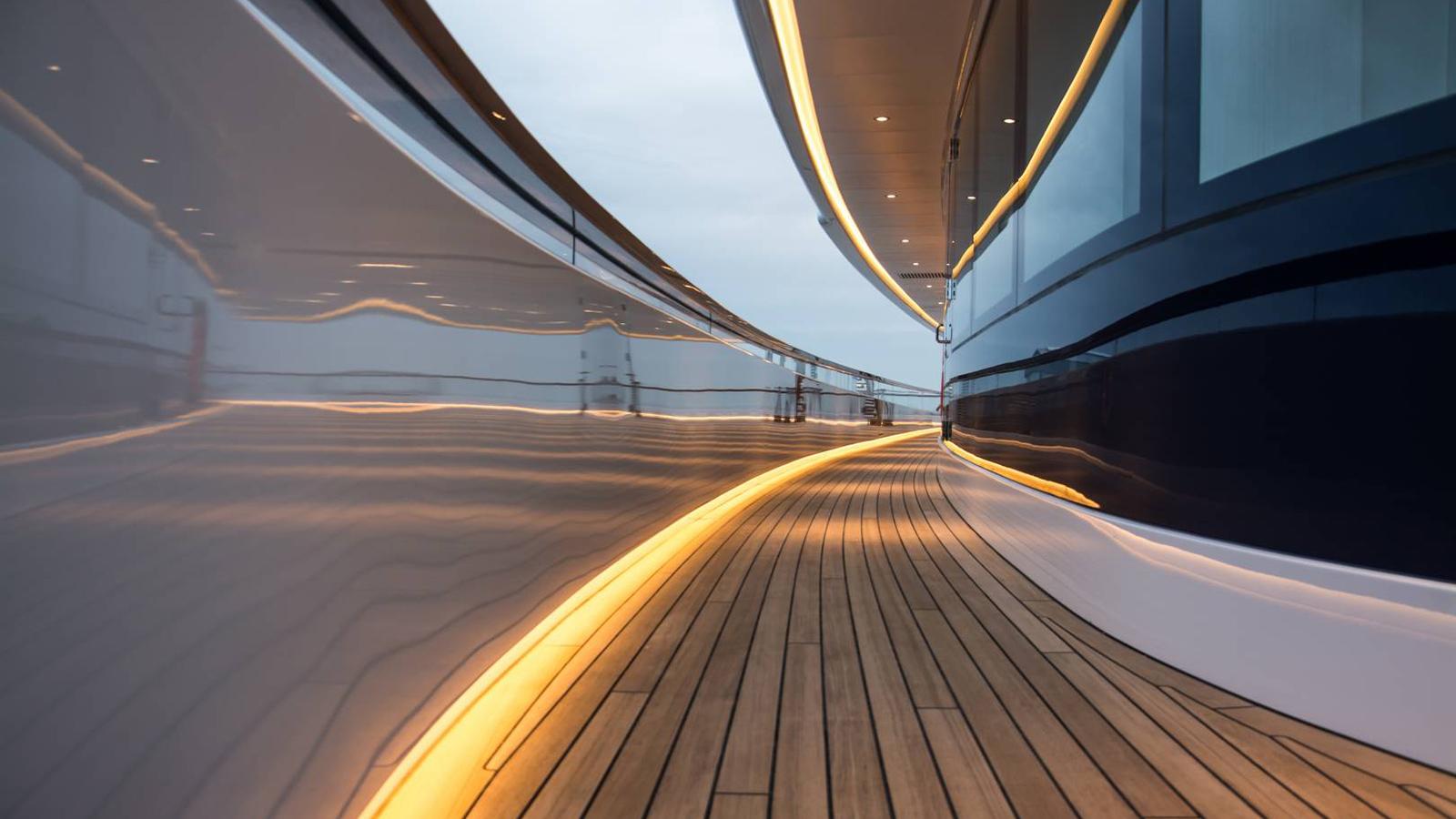 close-up-of-feadship-super-yacht-faith-side-deck