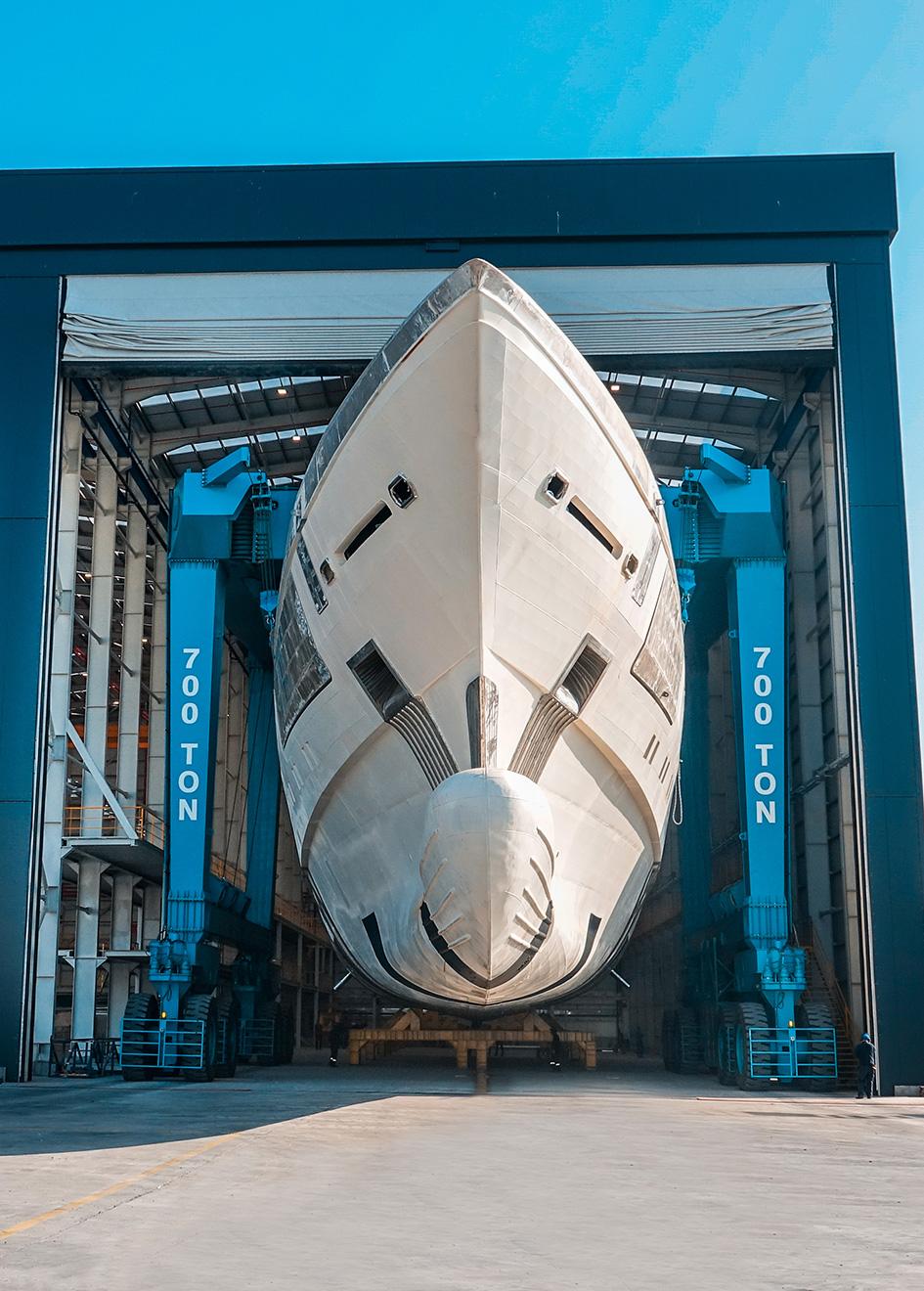 bow-view-of-the-bilgin-263-superyacht