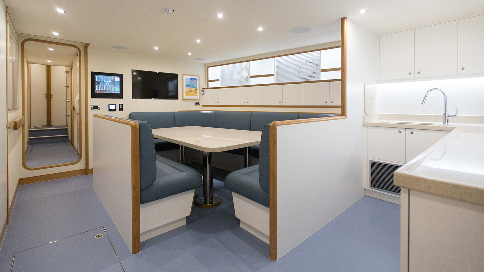 the-crew-mess-on-refitted-feadship-super-yacht-constance