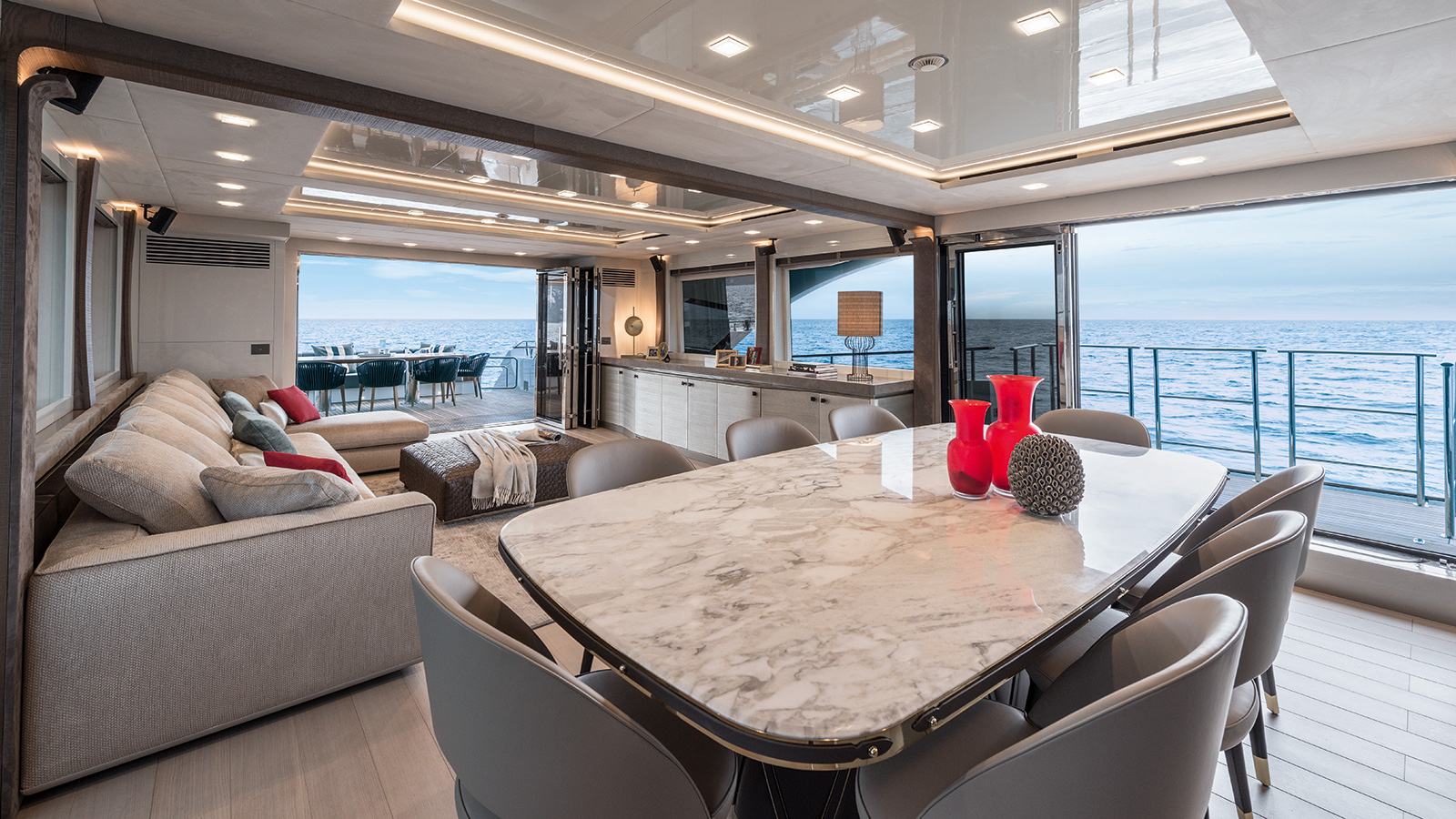 the-saloon-of-the-monte-carlo-yachts-96
