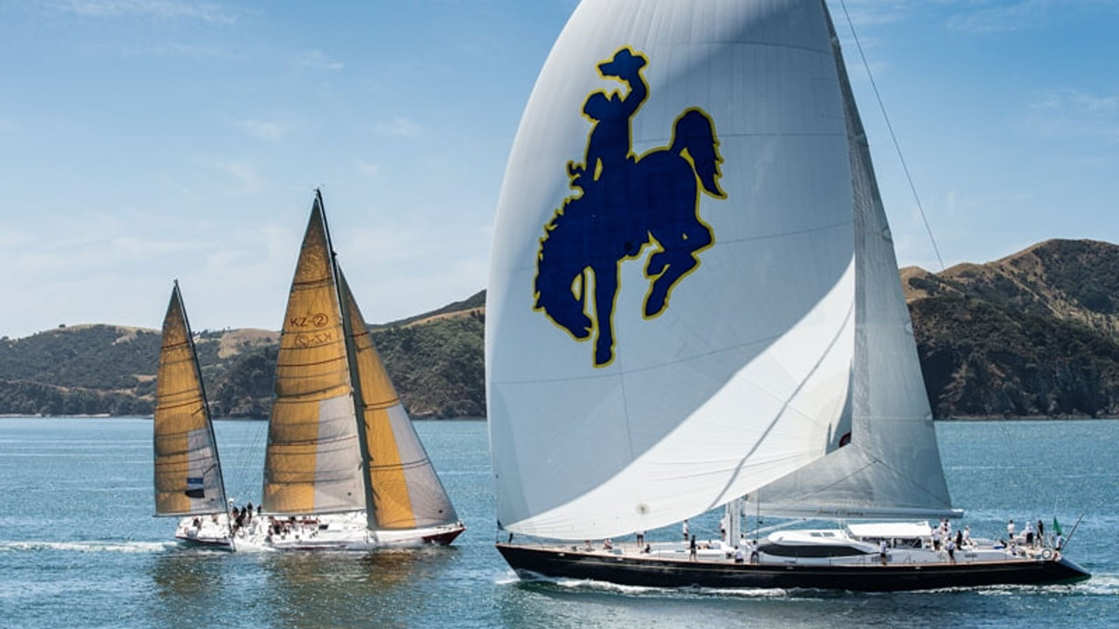 yachts-racing-in-the-NZ-millennium-cup-janice-of-wyoming