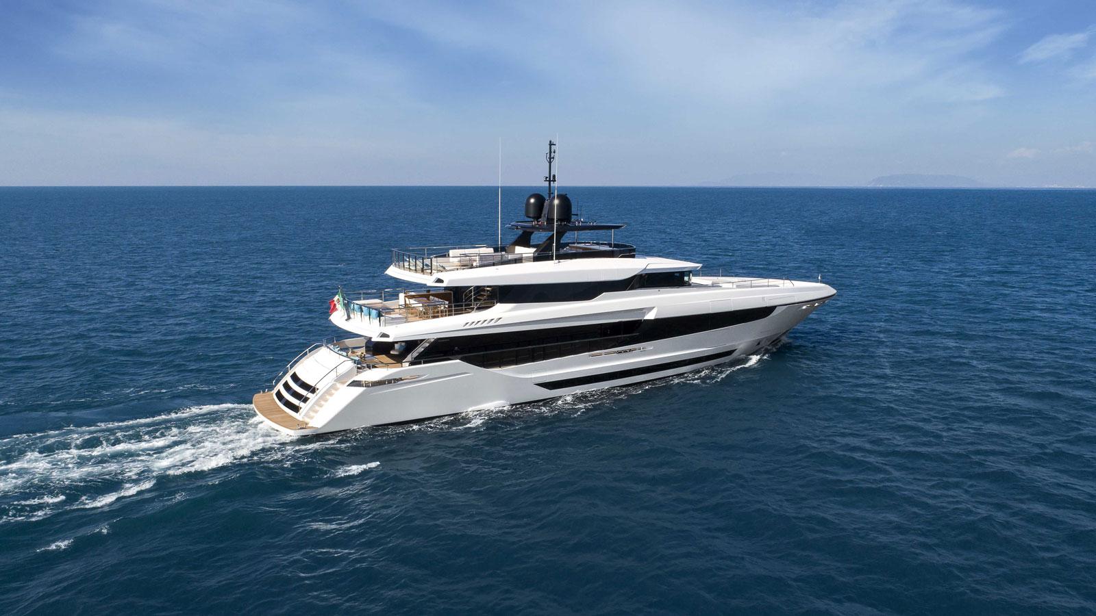 mangusta-oceano-motor-yacht-project-venezia-sold