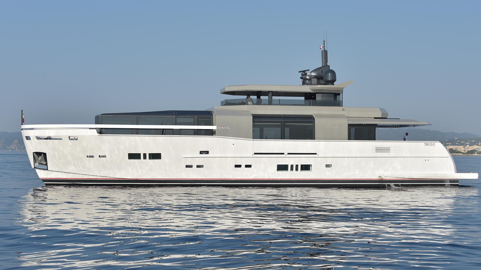 arcadia-motor-yacht-aria-s-for-sale