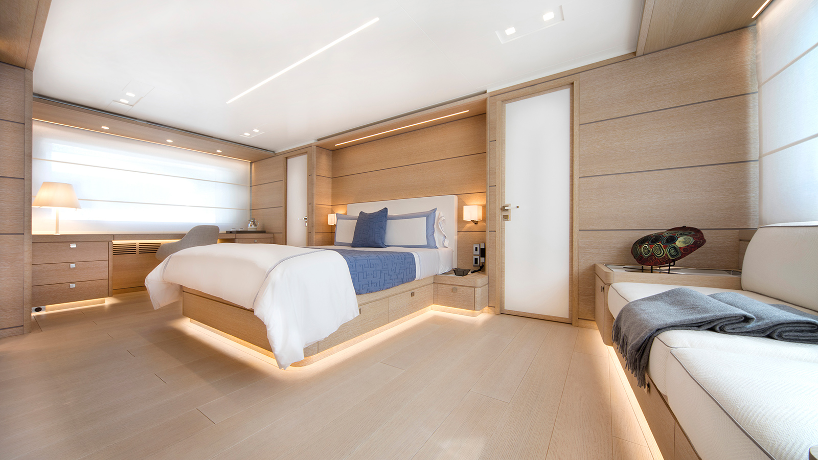 the-master-cabin-of-the-nauta-air-108-yacht-narvalo-from-cantiere-delle-marche