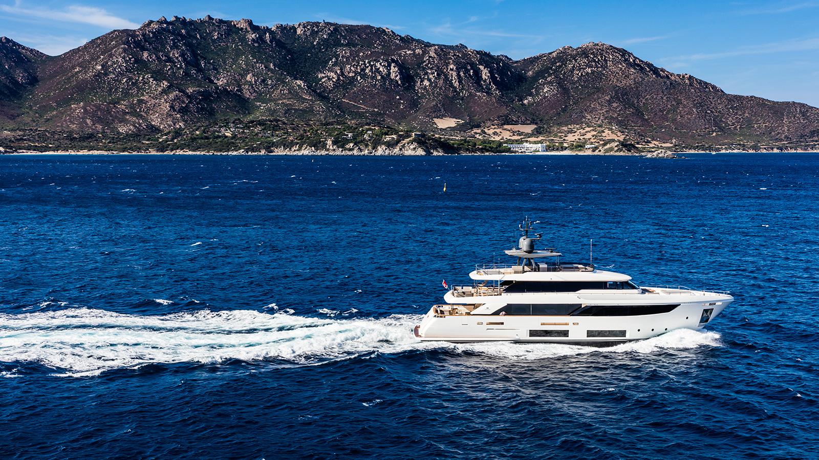 side-view-of-the-ferretti-custom-line-motor-yacht-telli-credit-maurizio-paradisi