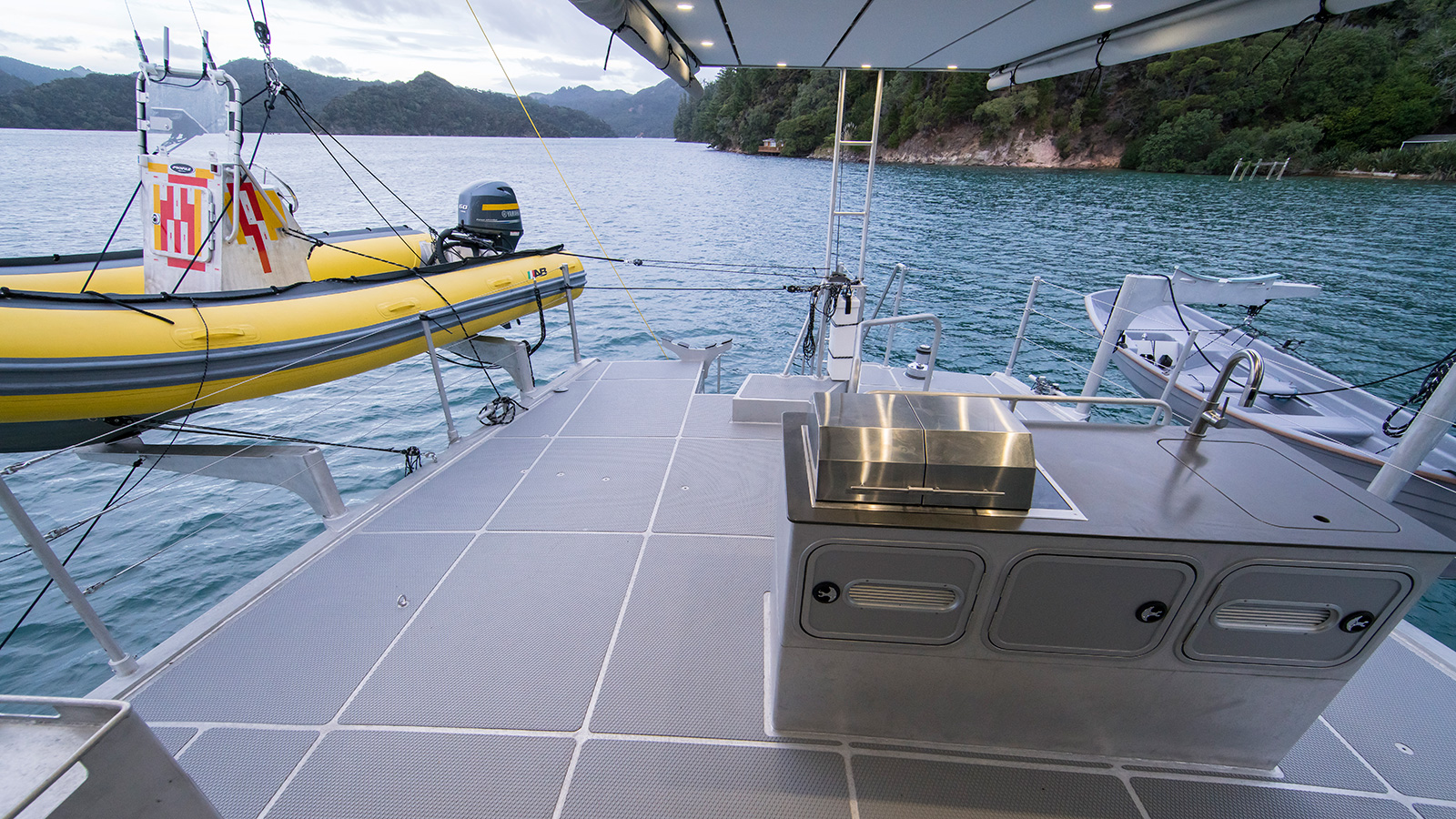 the-aft-deck-of-the-fpb-78-explorer-yacht-cochise-credit-steve-dashew
