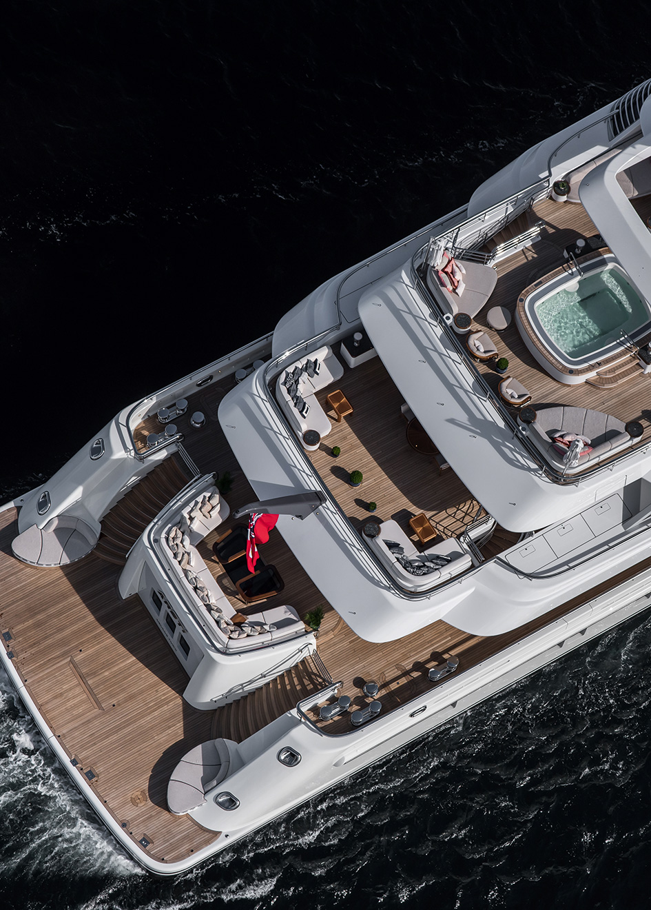 the-aft-decks-of-the-lurssen-superyacht-areti-credit-tom-van-oossanen