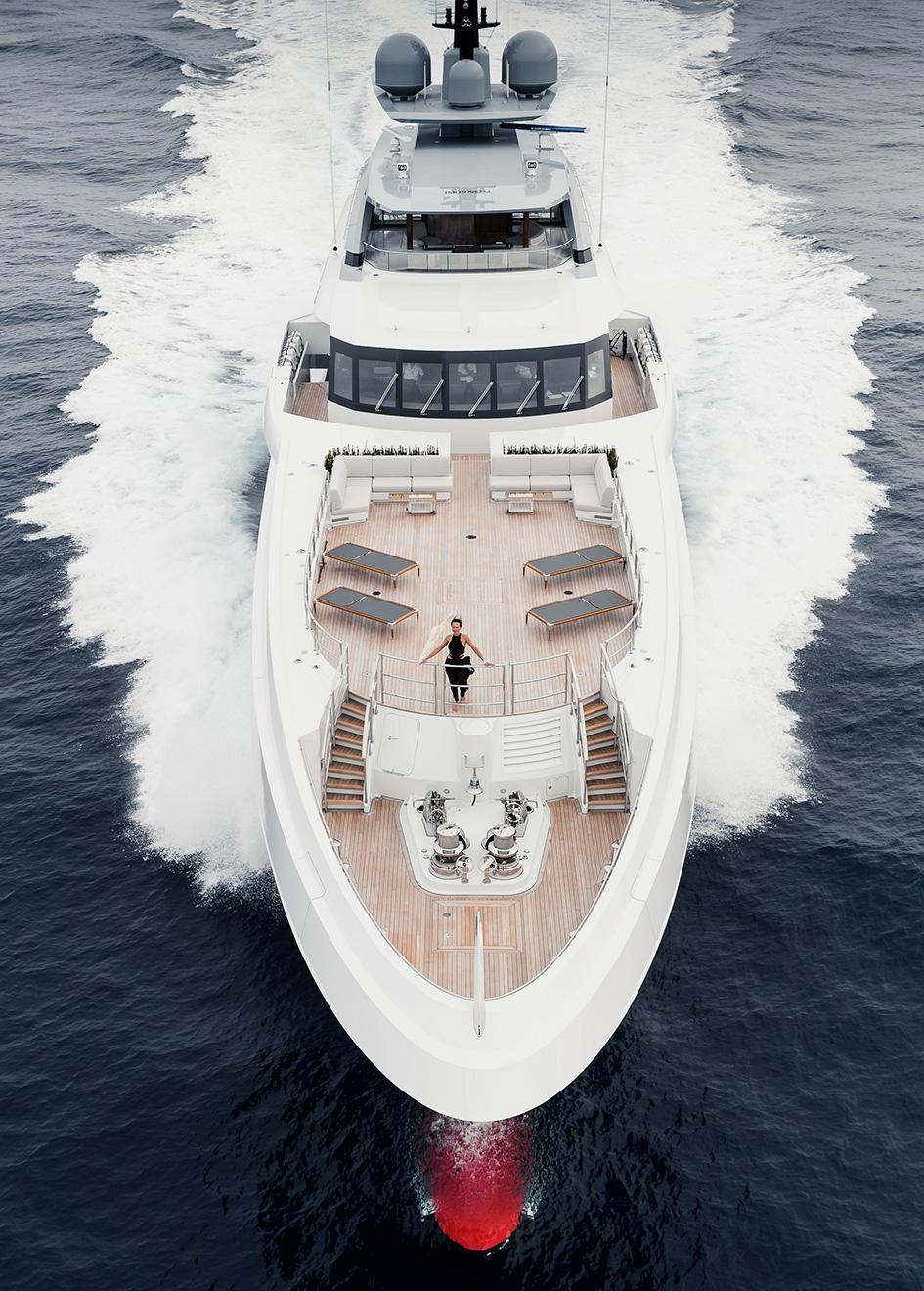 heesen-flagship-yacht-galactica-super-nova-is-capable-of-more-than-30-knots