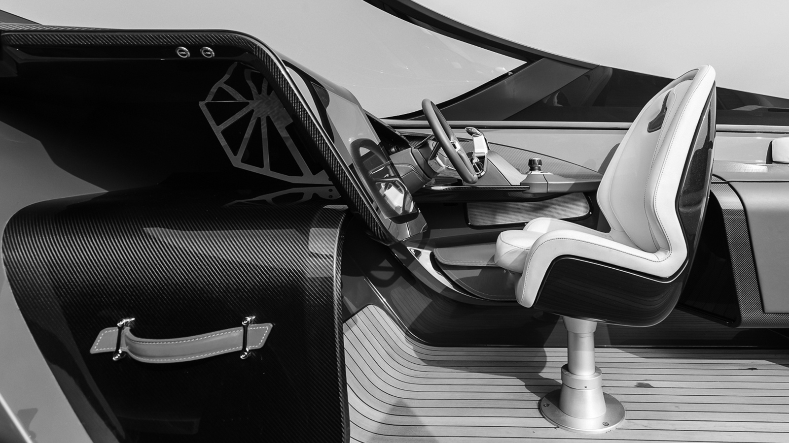 the-helm-of-the-aston-martin-speedboat-am37s