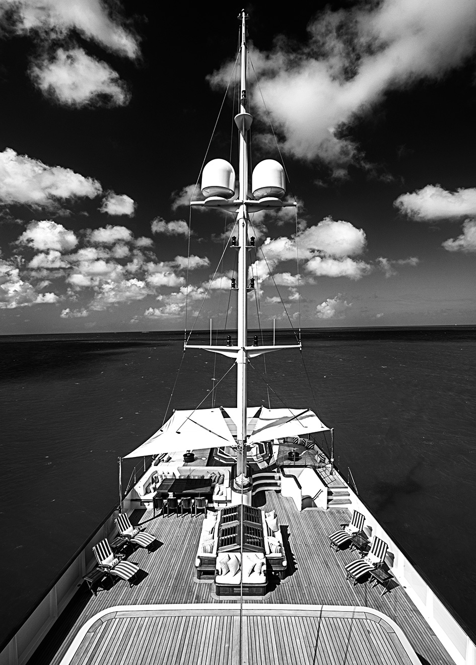the-mast-of-the-modern-classic-yacht-nero-after-her-mb92-refit-credit-stuart-pearce