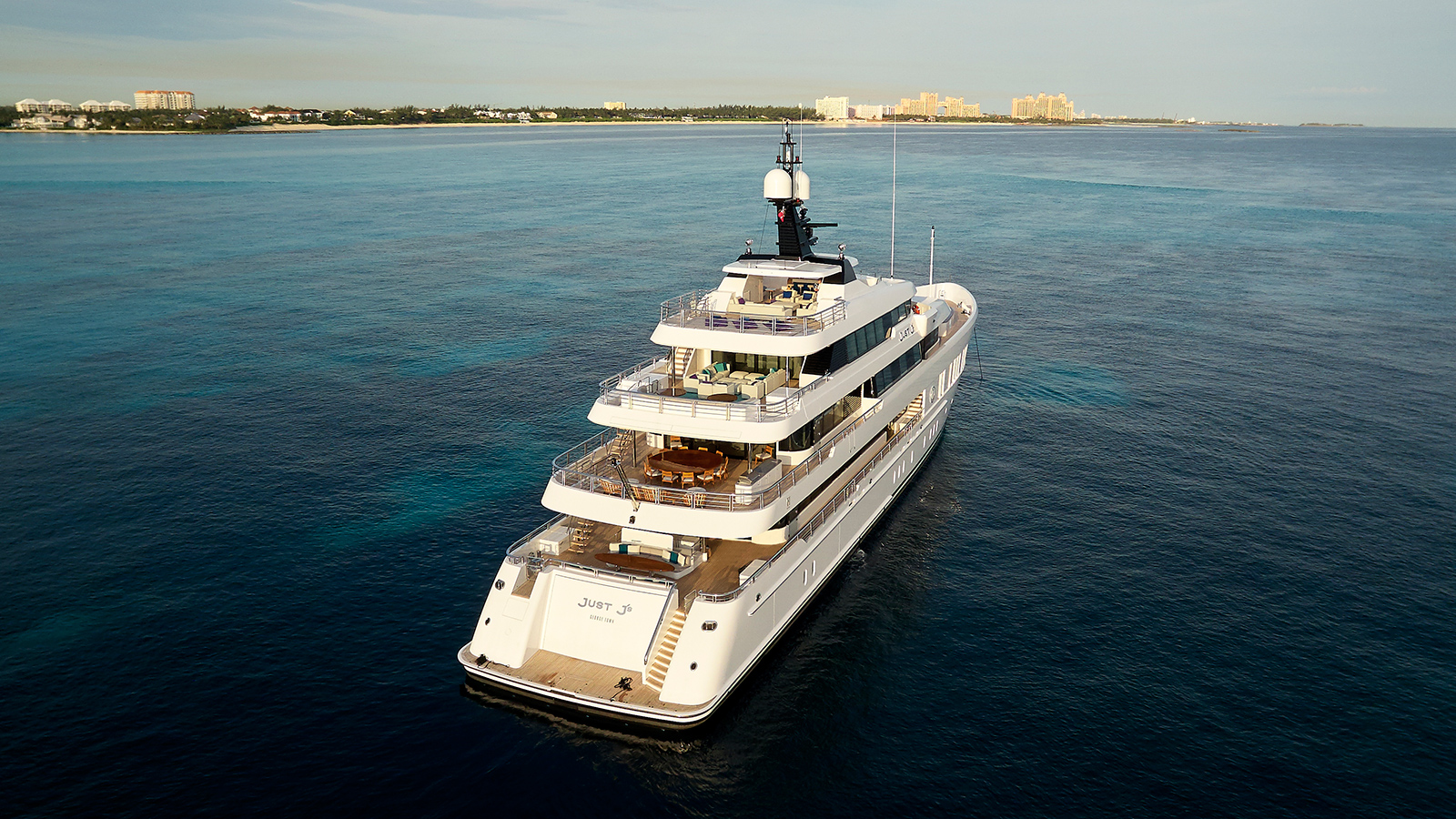 aft-view-of-hakvoort-super-yacht-just-js