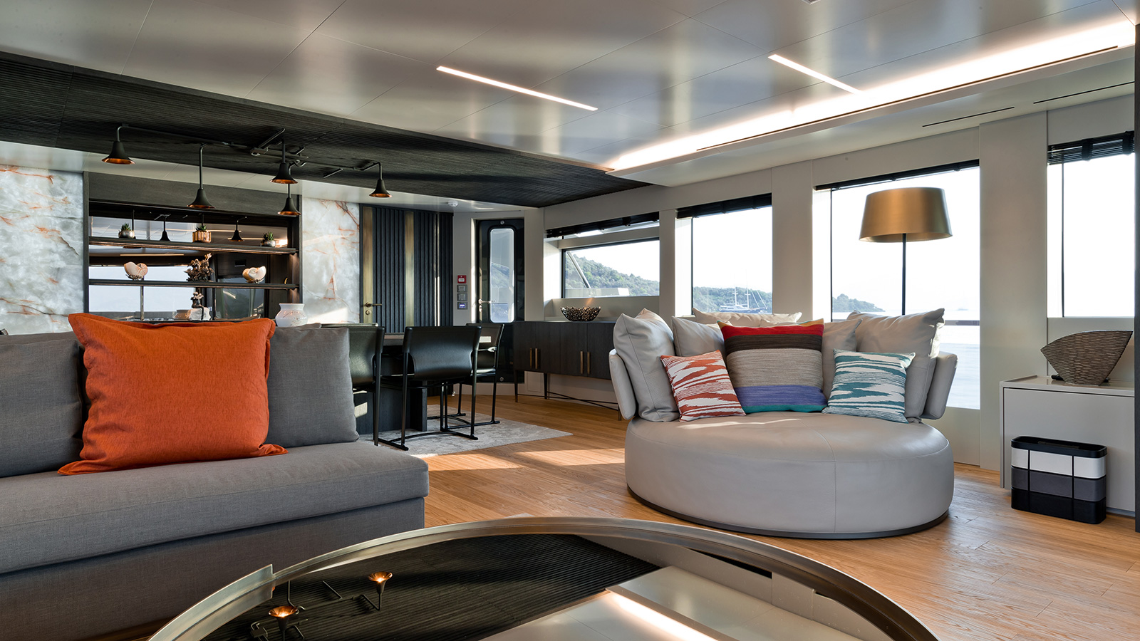 the-saloon-of-the-numarine-32xp-yacht-marla-credit-jeff-brown-breed-media