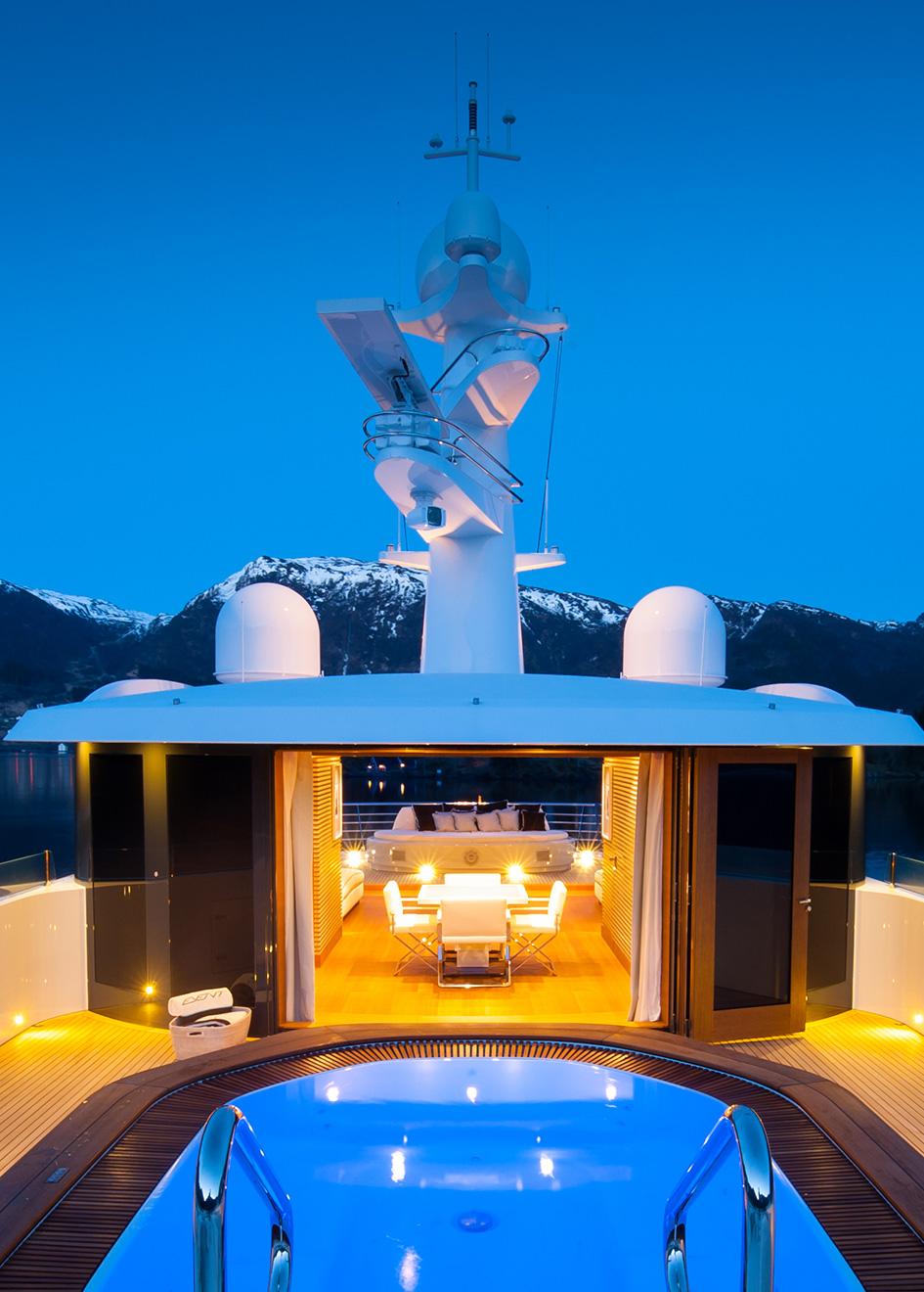 Portrait Event Yacht Spa Tub Night