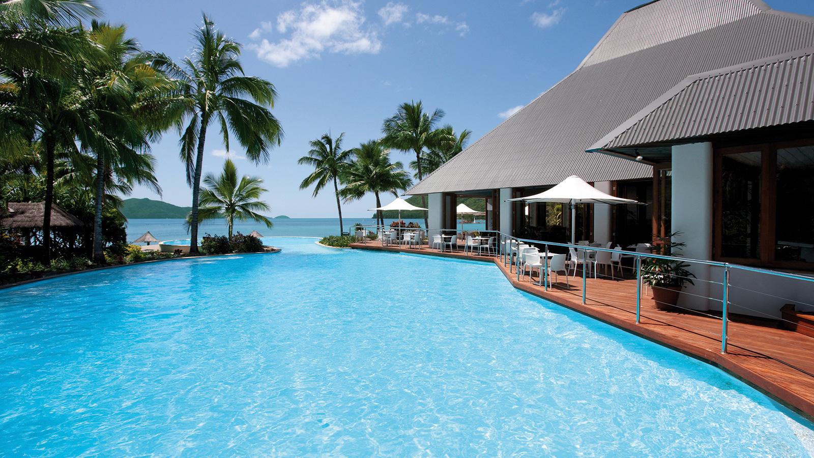 Sails Restaurant Dolphin Pool