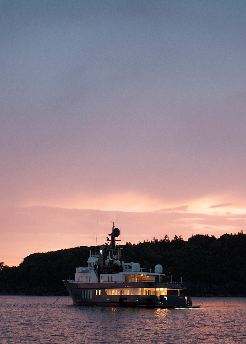 sunset-shot-of-rmk-marine-explorer-yacht-rh3