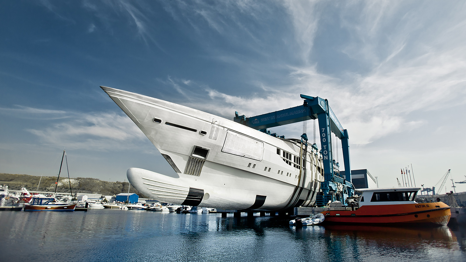 the-bilgin-263-was-hauled-out-in-west-istanbul-marina-for-fit-out
