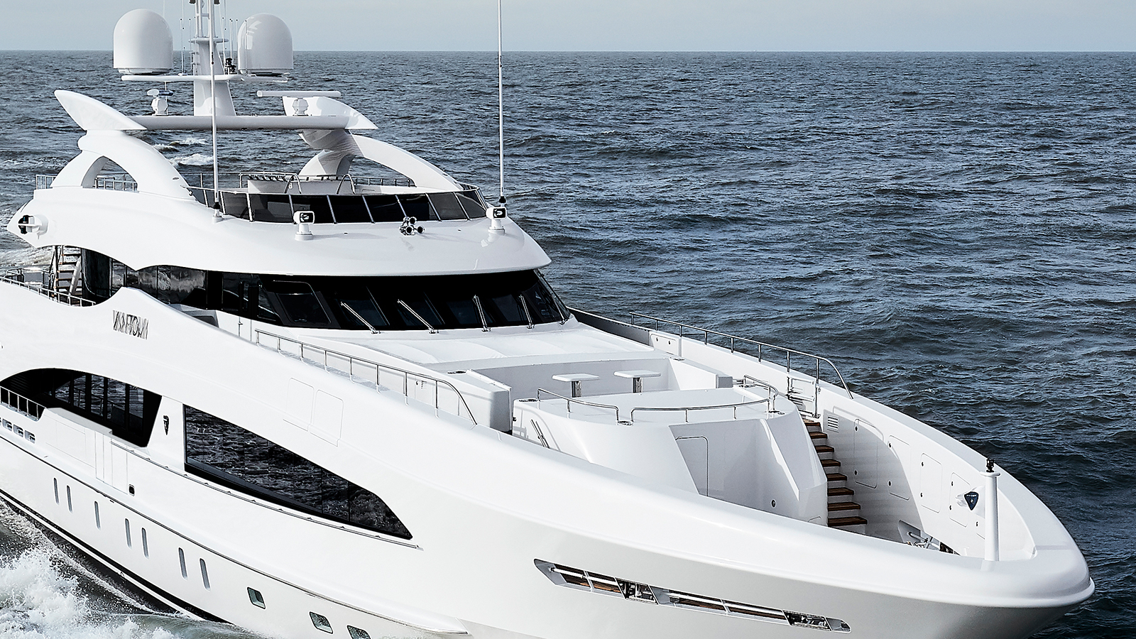 the-foredeck-of-the-heesen-super-yacht-van-tom-credit-dick-holthuis