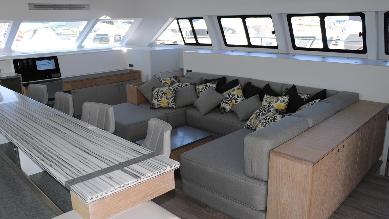 the-saloon-of-open-ocean-800-expedition-catamaran-cake
