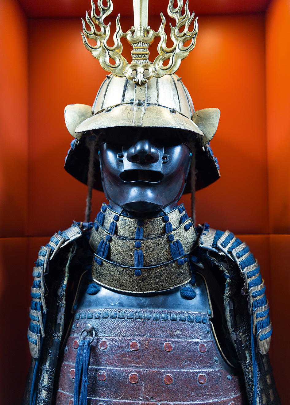antique-armour-on-board-refitted-sailing-super-yacht-samurai