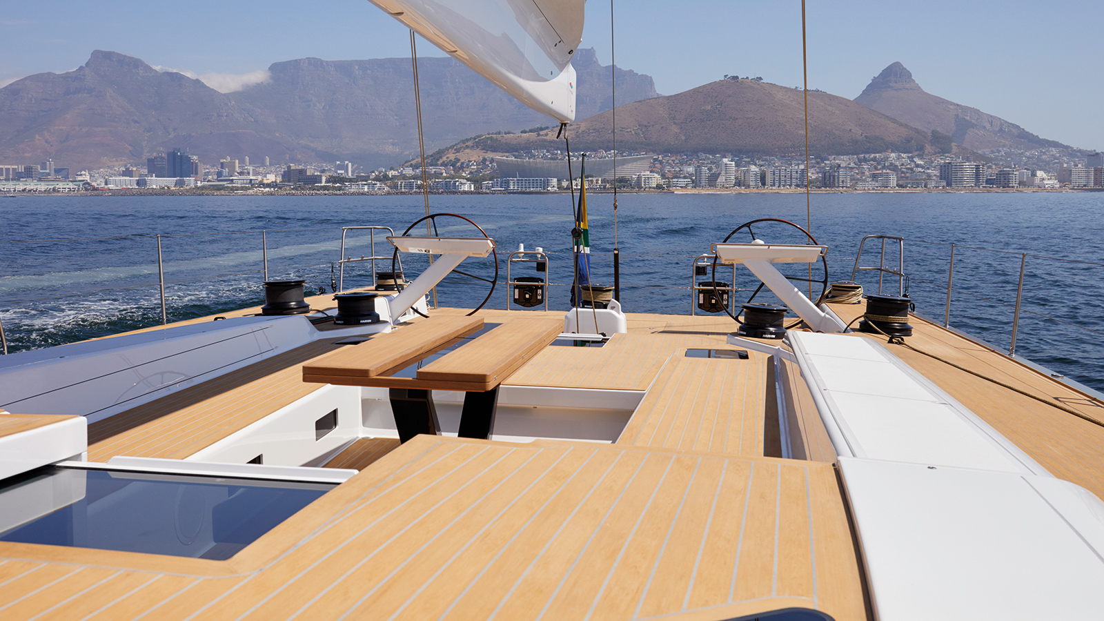 the-deck-layout-of-the-custom-sailing-yacht-SW-RP90-by-southern-wind