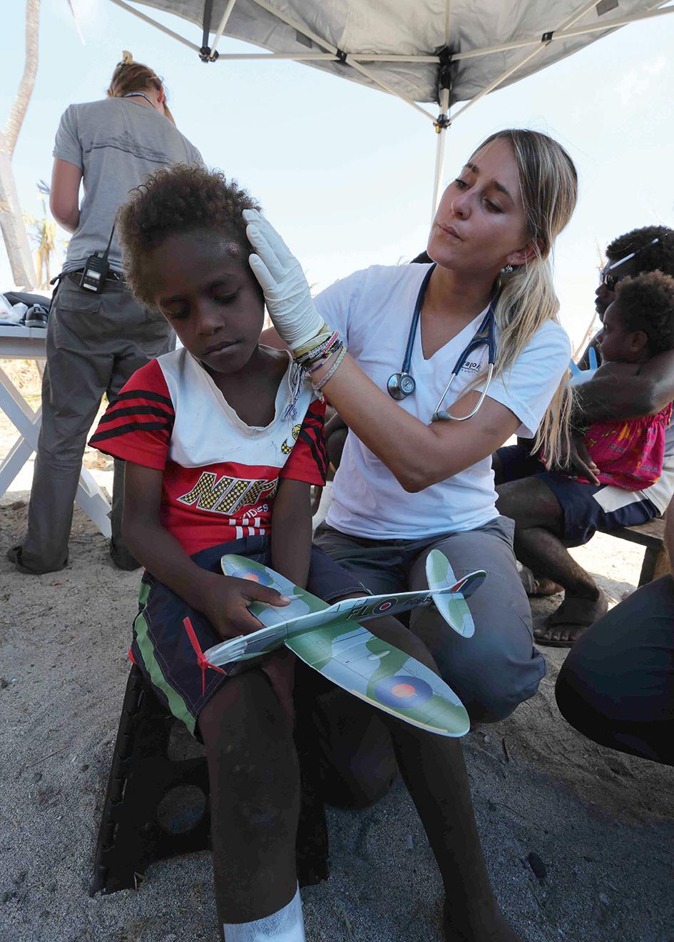 Dragonfly crew help Vanuatu