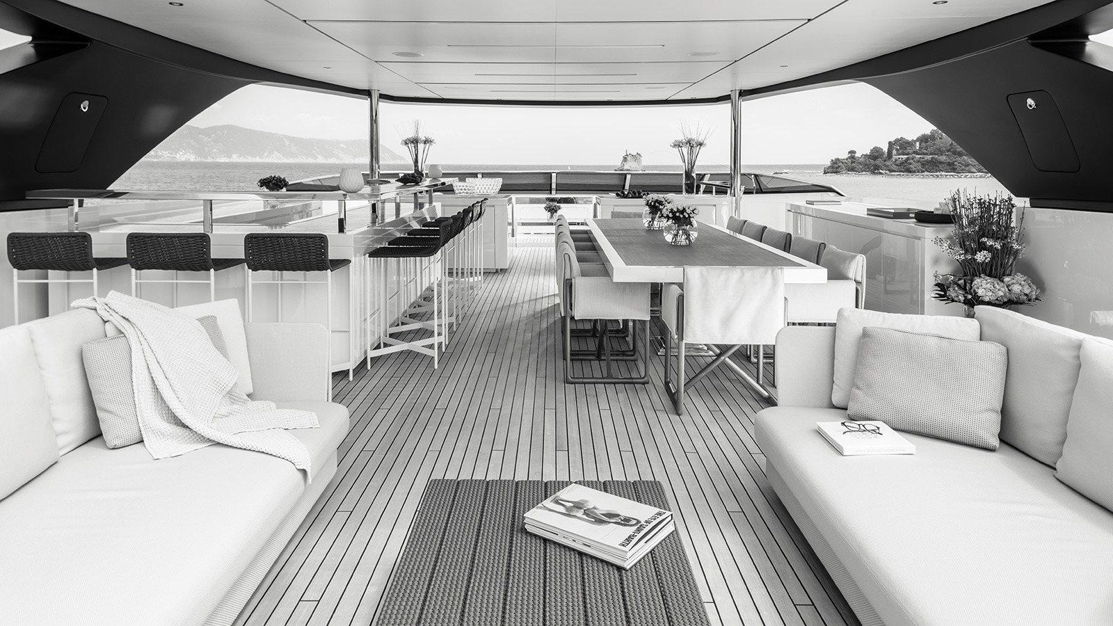 the-sundeck-of-the-sanlorenzo-flagship-yacht-seven-sins-credit-guillaume-plisson