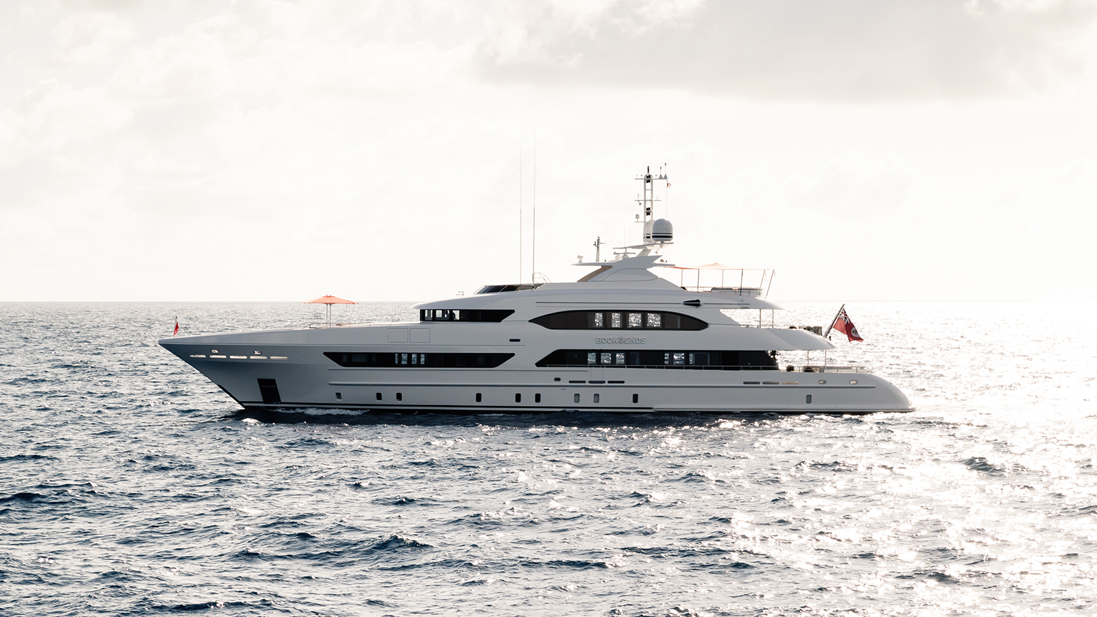 side-view-of-the-heesen-superyacht-book-ends-credit-jeff-brown-breed-media