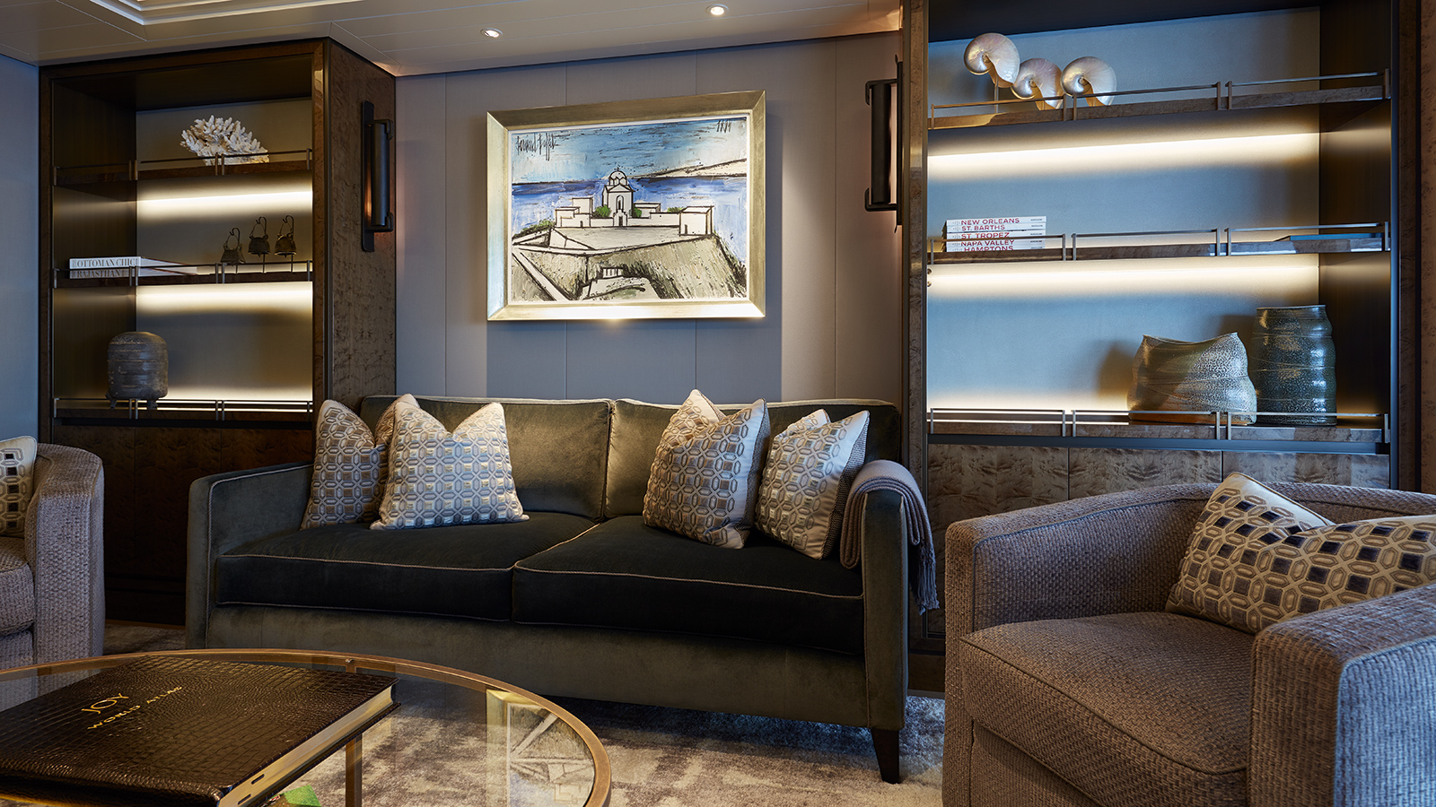 the-owners-lounge-of-feadship-super-yacht-joy