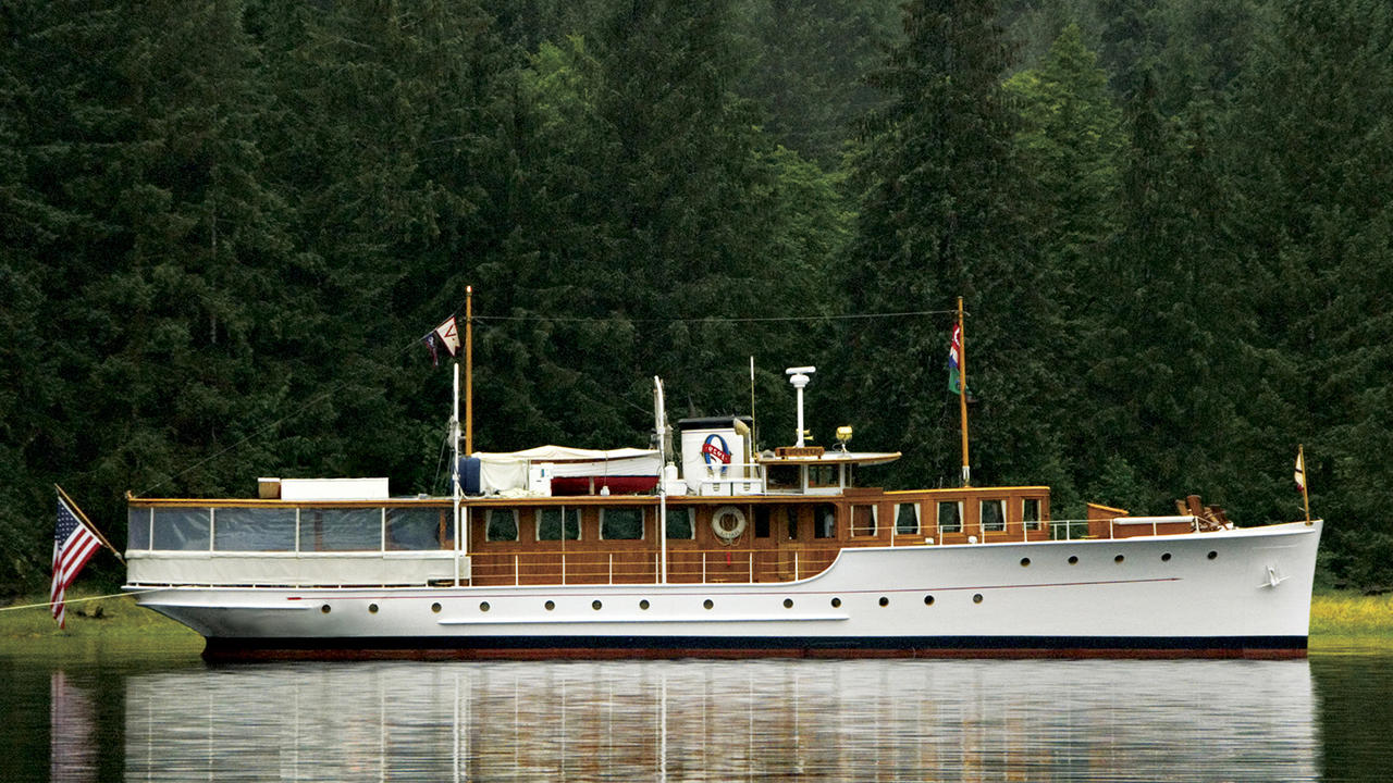 Classic motor yacht olympus sold boat international for Vintage motor yachts for sale