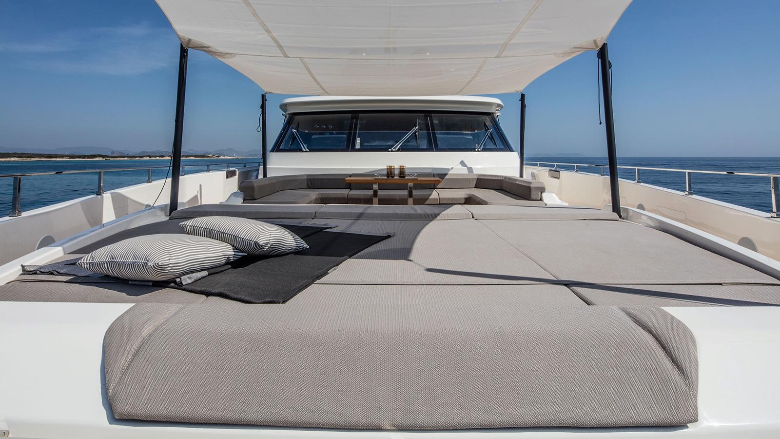 the-foredeck-of-the-ferretti-custom-line-motor-yacht-telli-credit-alberto-cocchi