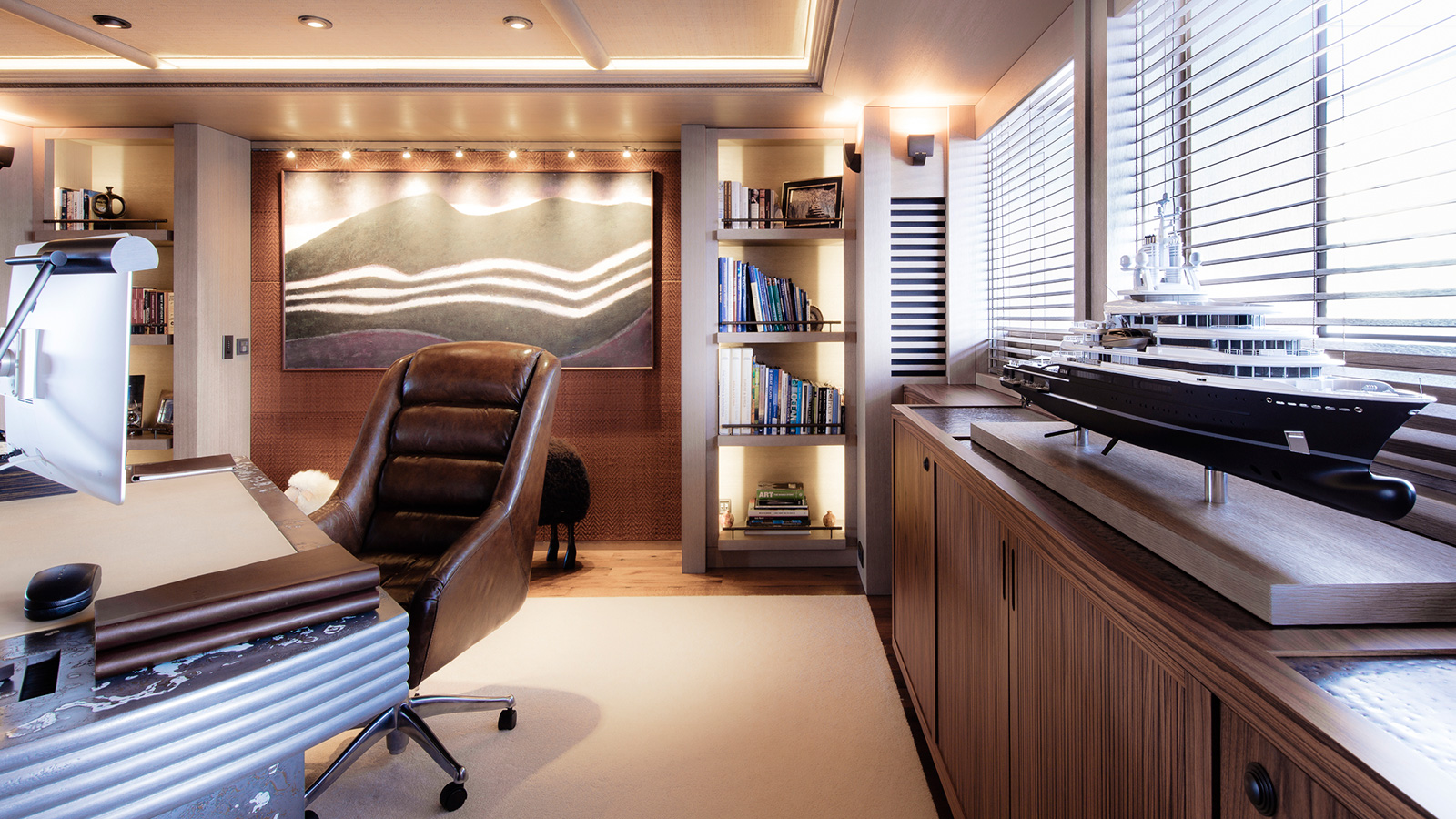 the-office-on-explorer-yacht-luna-by-lloyd-werft