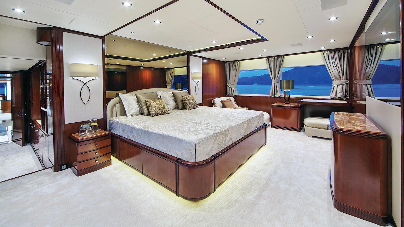 Vica Yacht