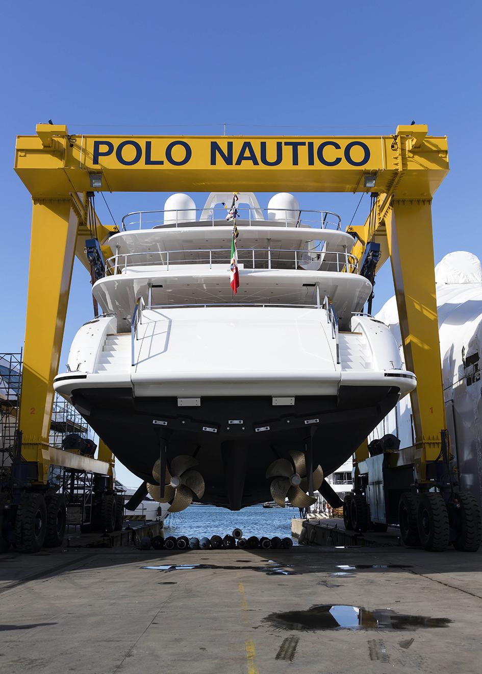 the-transom-of-the-mangusta-oceano-46-yacht
