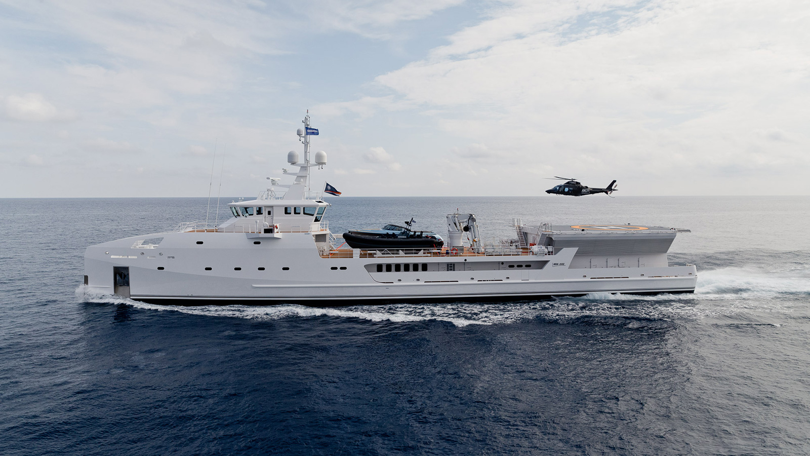 side-view-of-the-damen-superyacht-support-vessel-game-changer-credit-jeff-brown-breed-media