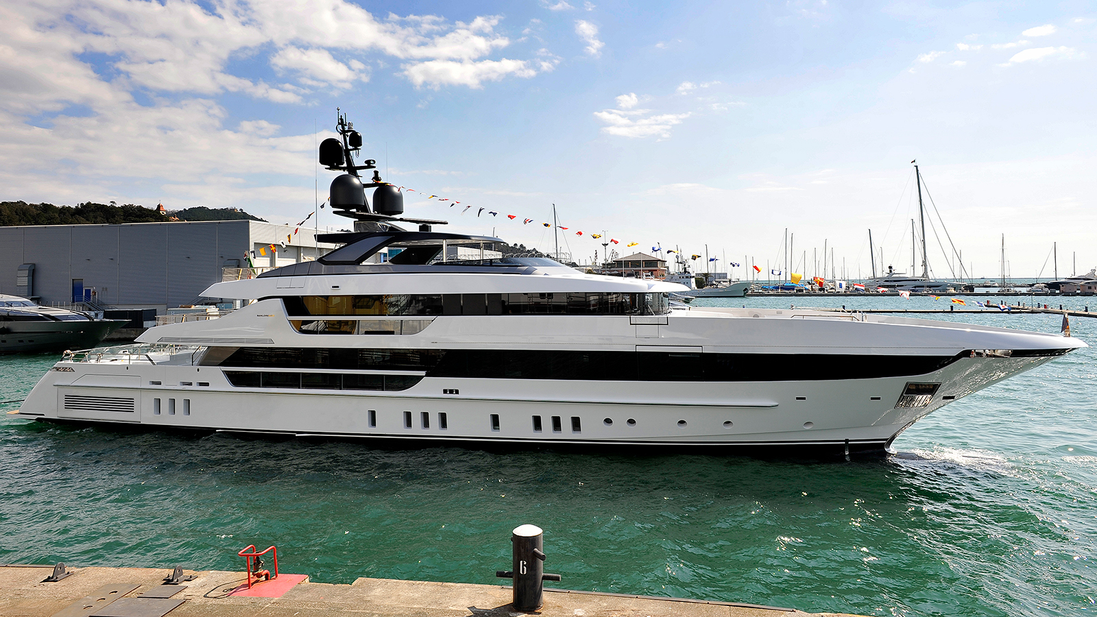 the-second-sanlorenzo-52-steel-yacht-was-christened-in-march-2018