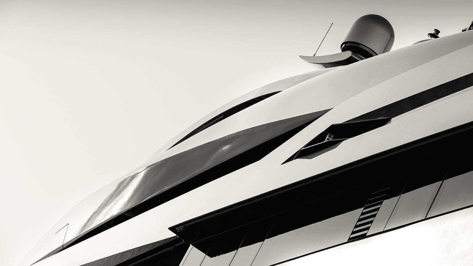 exterior-close-up-of-the-abeking-and-rasmussen-superyacht-aviva-credit-guillaume-plisson