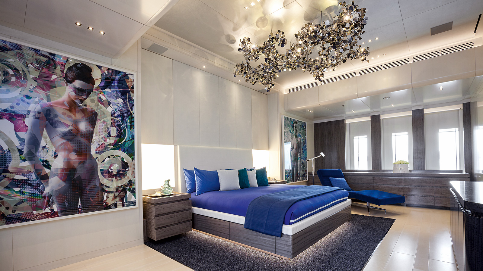 the-owners-cabin-on-the-benetti-motor-yacht-seasense