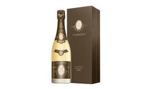 international-wine-day-cristal-1996-bottle