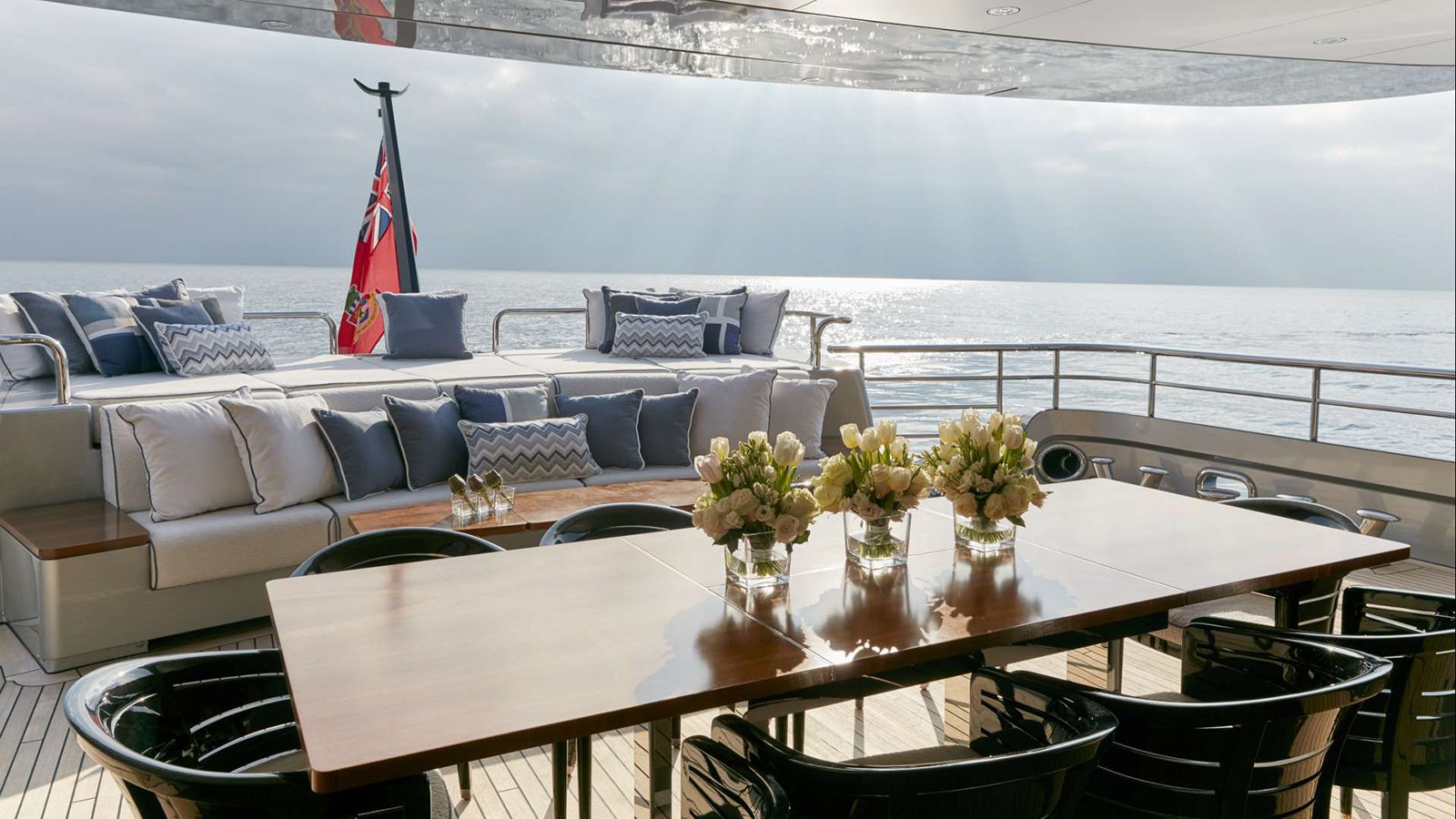 the-aft-deck-of-feadship-super-yacht-kiss