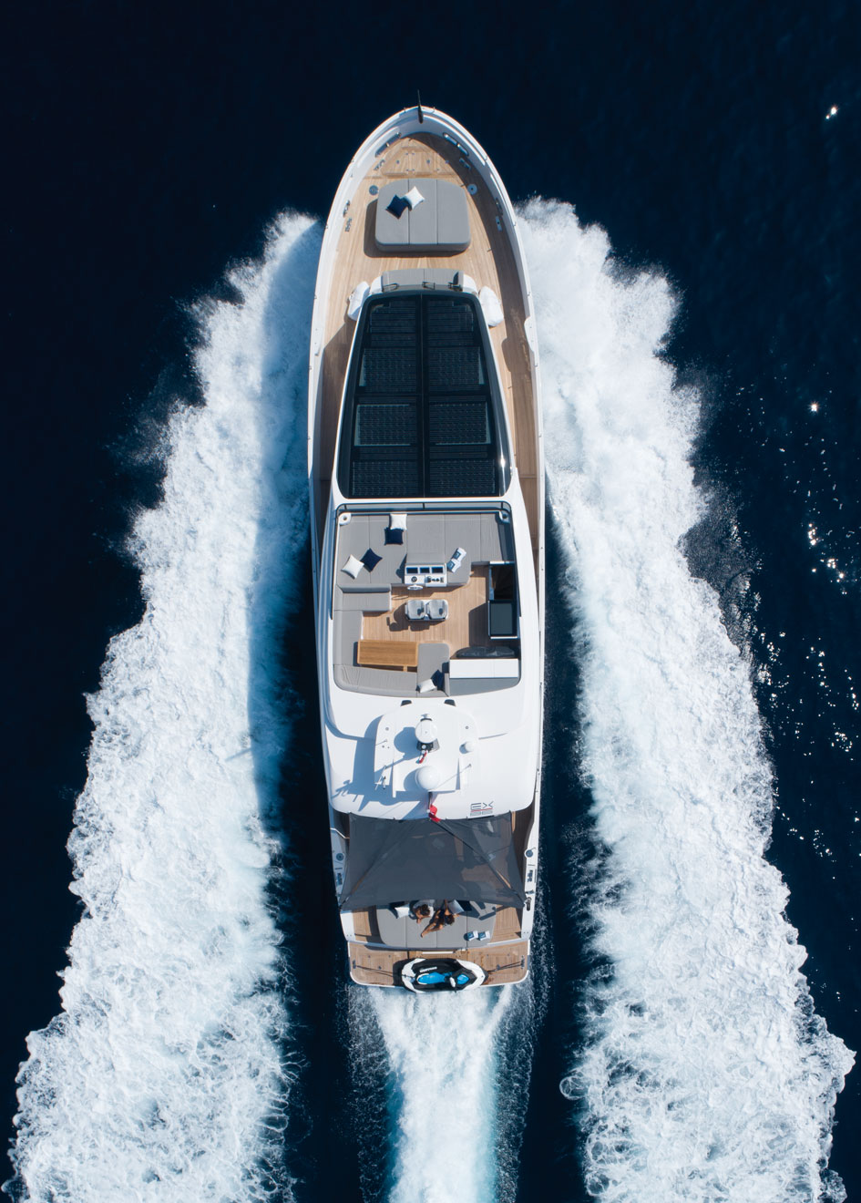New-86-Fast-Model-Cannes-Yachting-Festival-Aerial