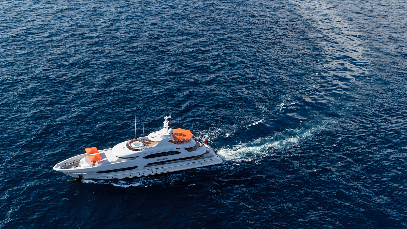 running-shot-of-the-heesen-superyacht-book-ends-credit-jeff-brown-breed-media