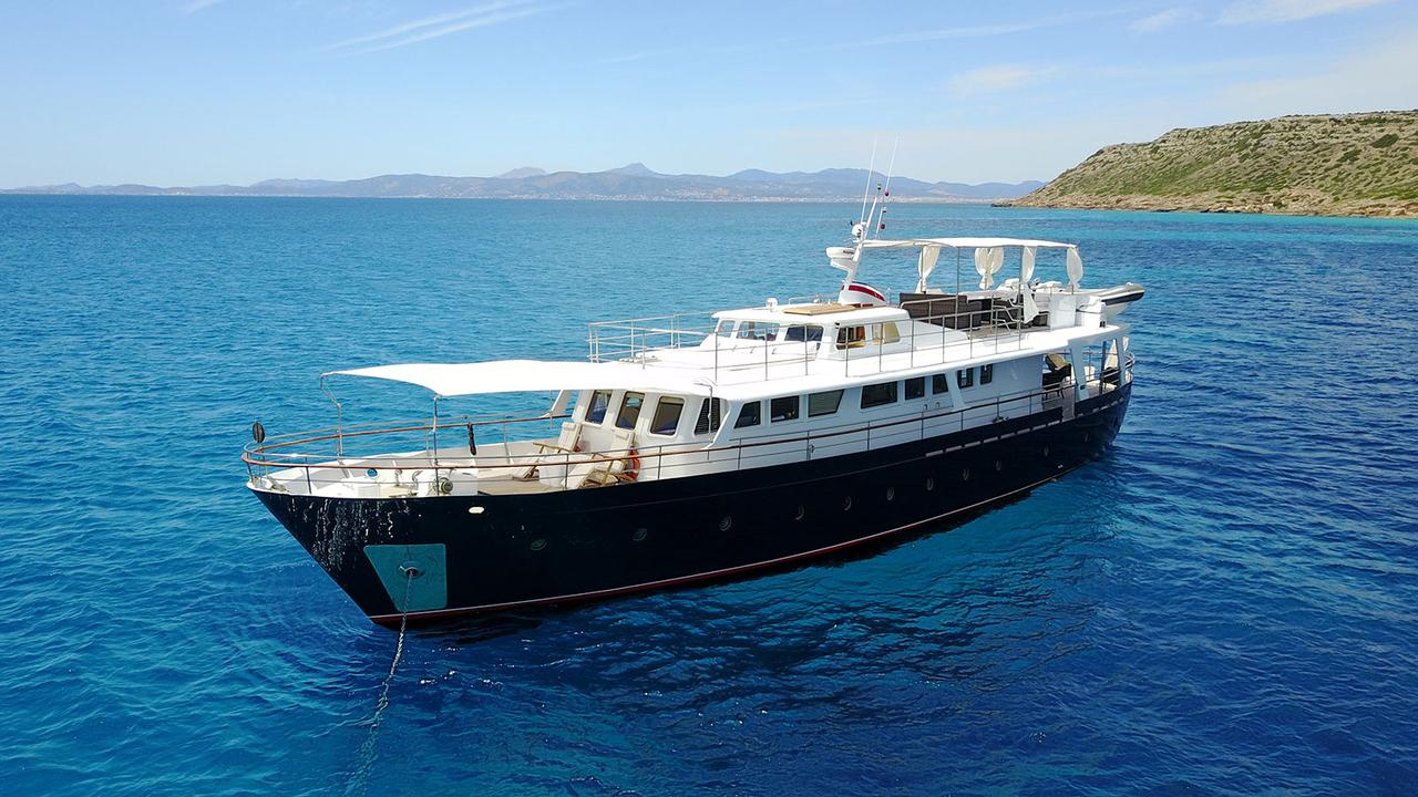 Classic Benetti Motor Yacht Black Pepper For Sale