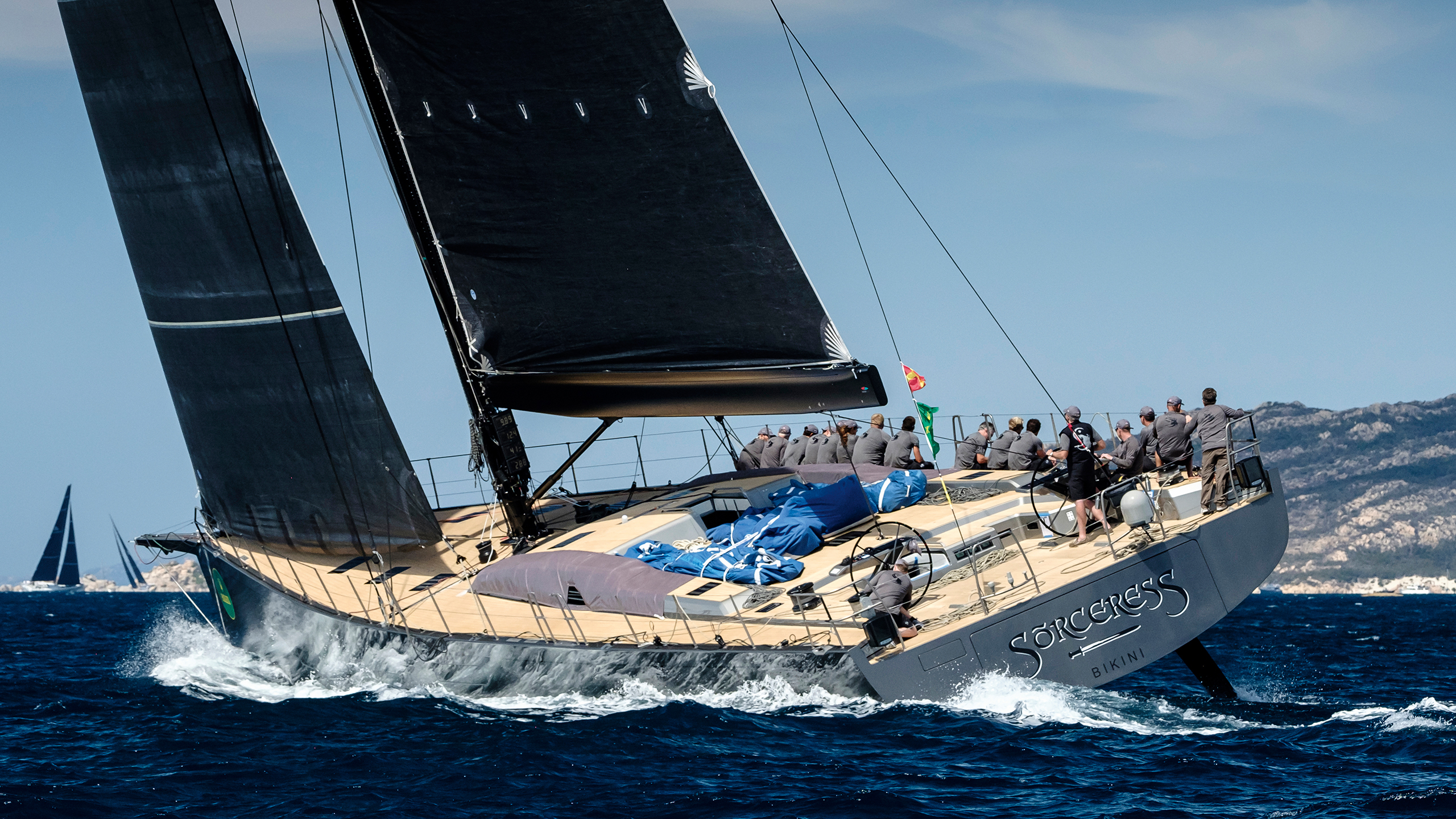 aft-running-shot-of-the-sw96-sailing-yacht-sorceress-credit-carlo-baroncini